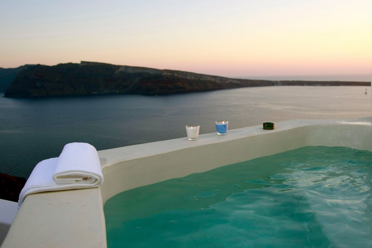 Sunset view Jacuzzi!
