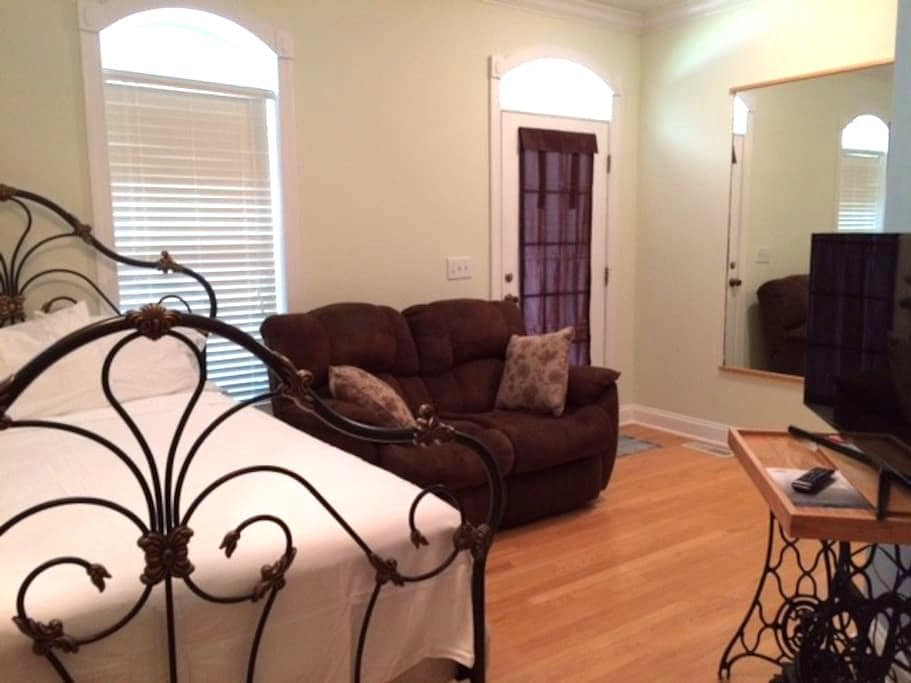 Private Mother In Law Suite near Charleston, SC - Ladson - Appartement