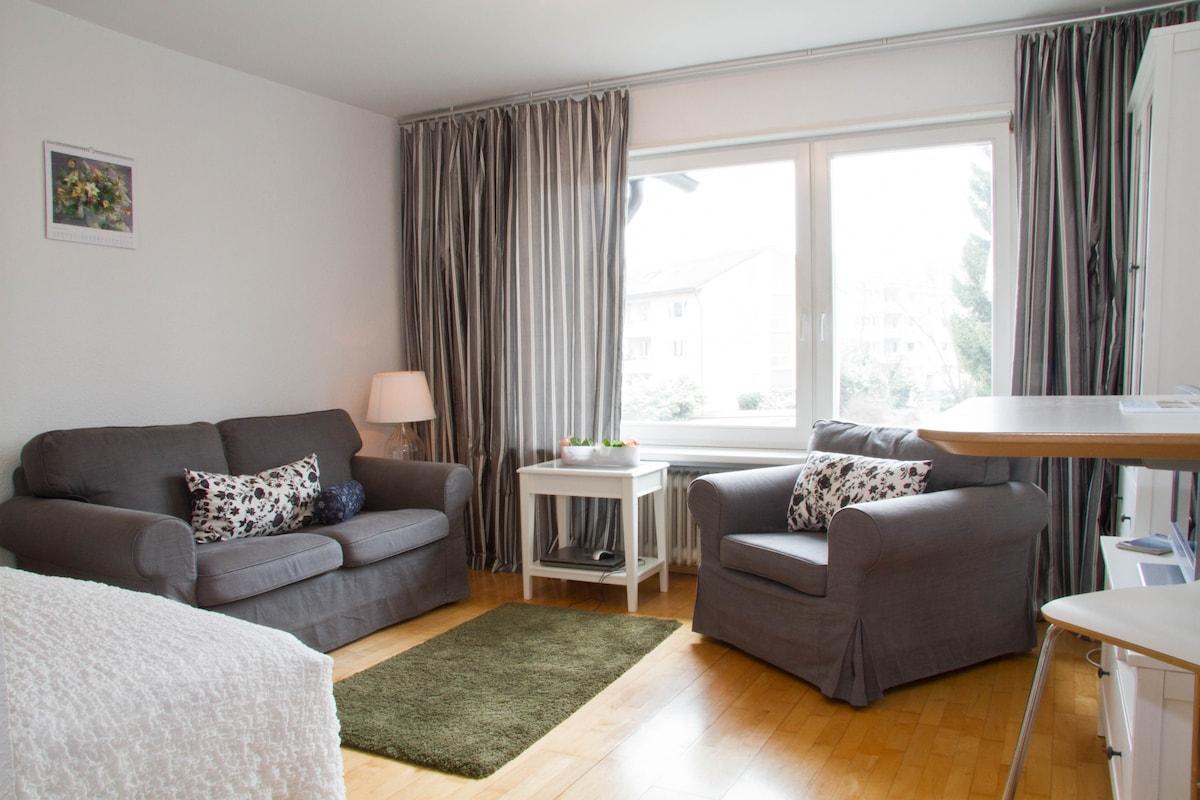 a full sitting room