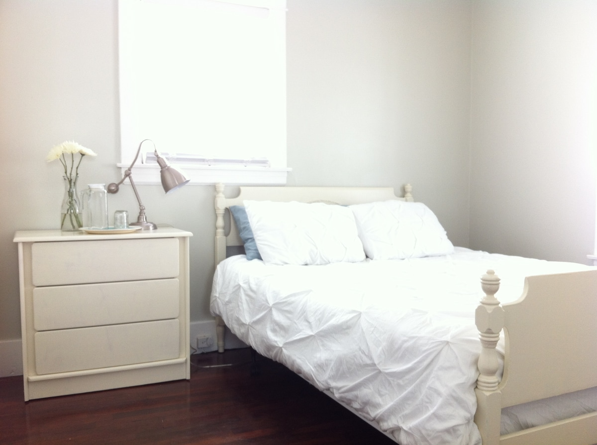 Private room with queen bed on main floor.
