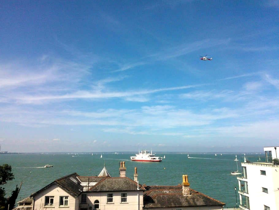Cowes Seaview Apartment - Cowes - Apartment