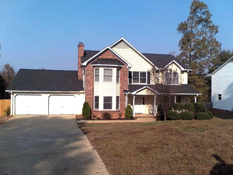 Home away from Home in Mauldin - Mauldin - Hus