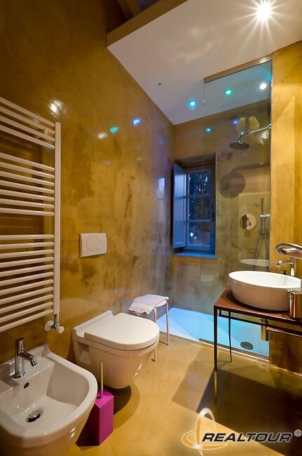 Sagrantino Room Bathroom