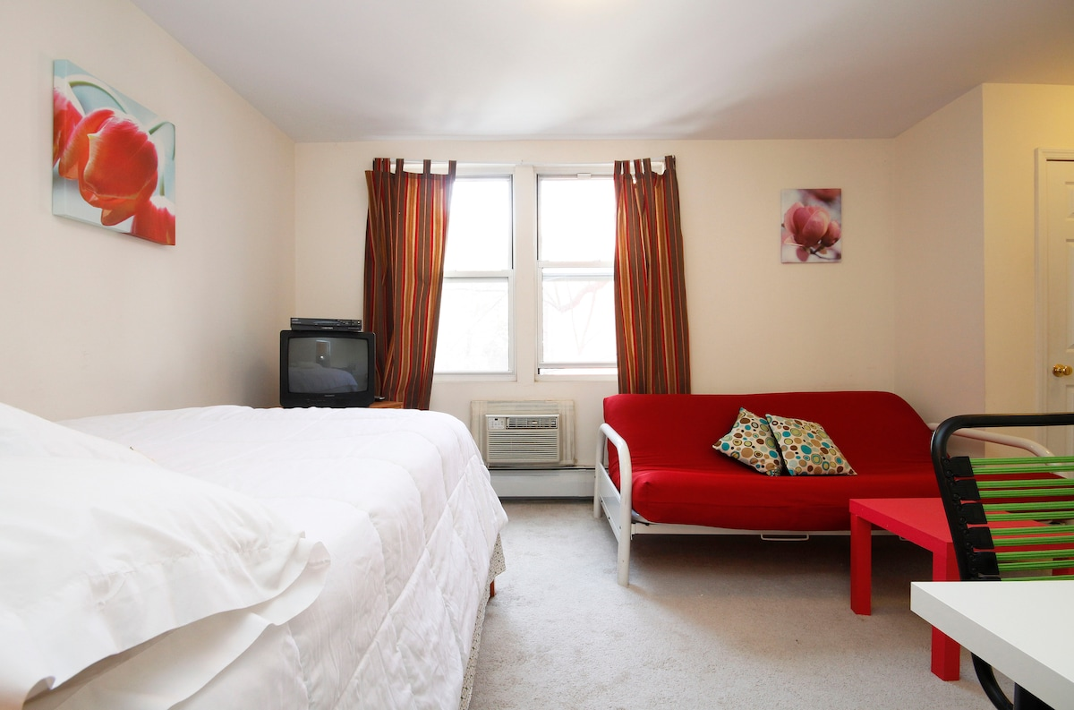 B and B Style Rooms for Rent w bath