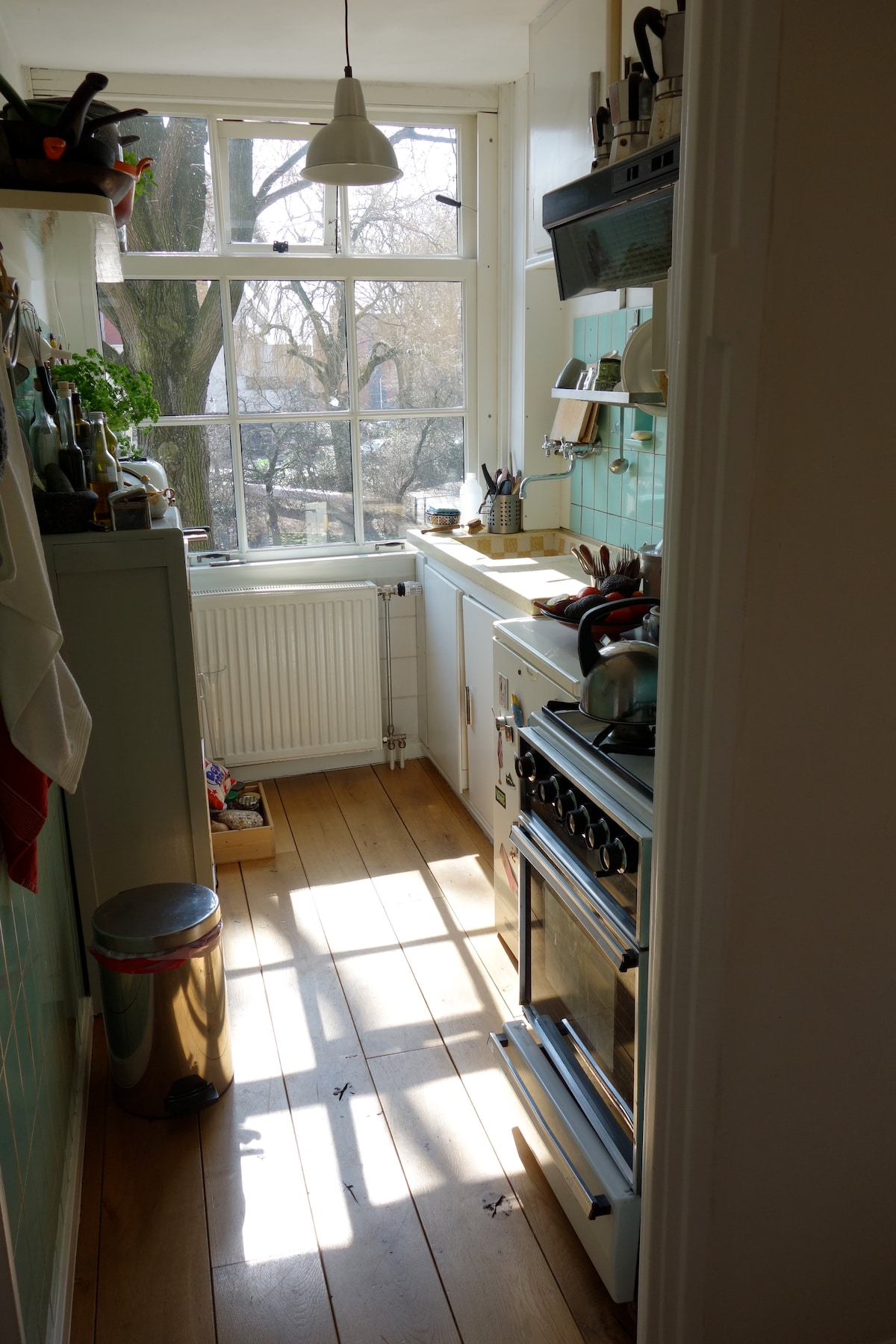 KITCHEN WITH CANAL VIEW
