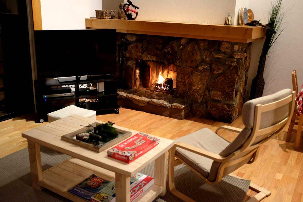 Private room in sleek 2BR cabin - Tahoe City