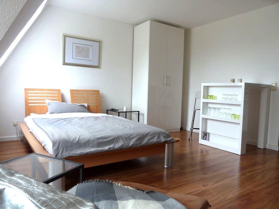 Gemütlich und moderne Wohnung First - Oldenburg - Appartement