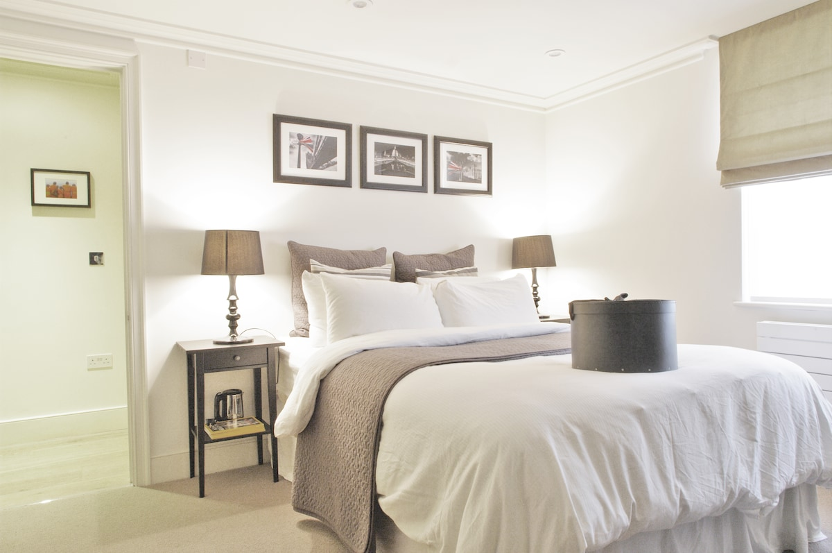 Luxury Manor House at London Bridge