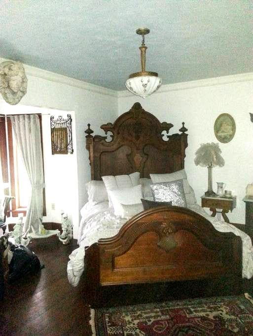 The CUBAN bedroom@ Gathering Grace - Chehalis