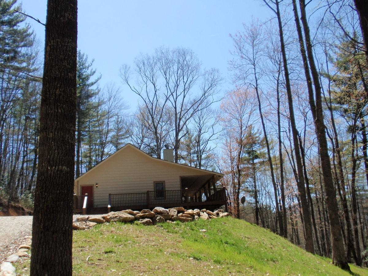 Woodland Vista Cabin on 53 Acres