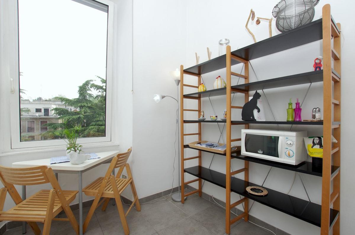living, little extendable table