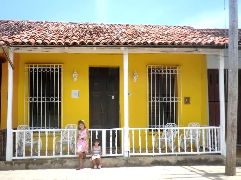 Wunderschöne Casa Colonial - Zimmer 1 - Baracoa - ที่พักพร้อมอาหารเช้า