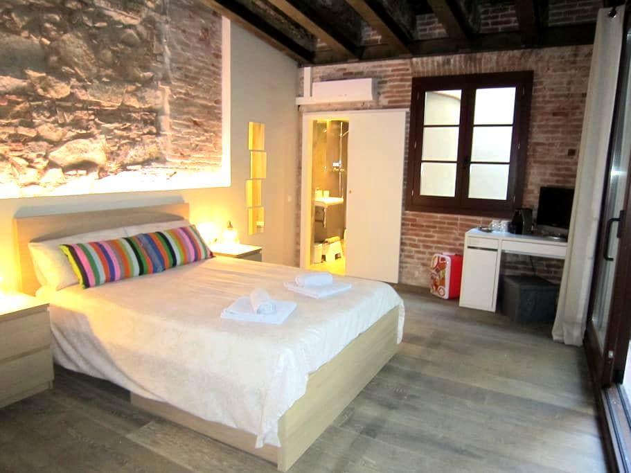 Central Loft San Pau   Private Room and Bathroom - Barcelona - Loteng
