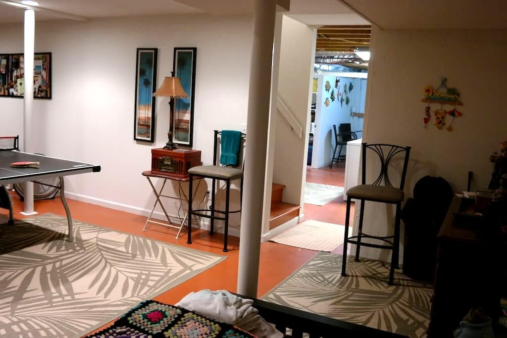 Comfortable room in artist's home 2 - Kennesaw - Rumah
