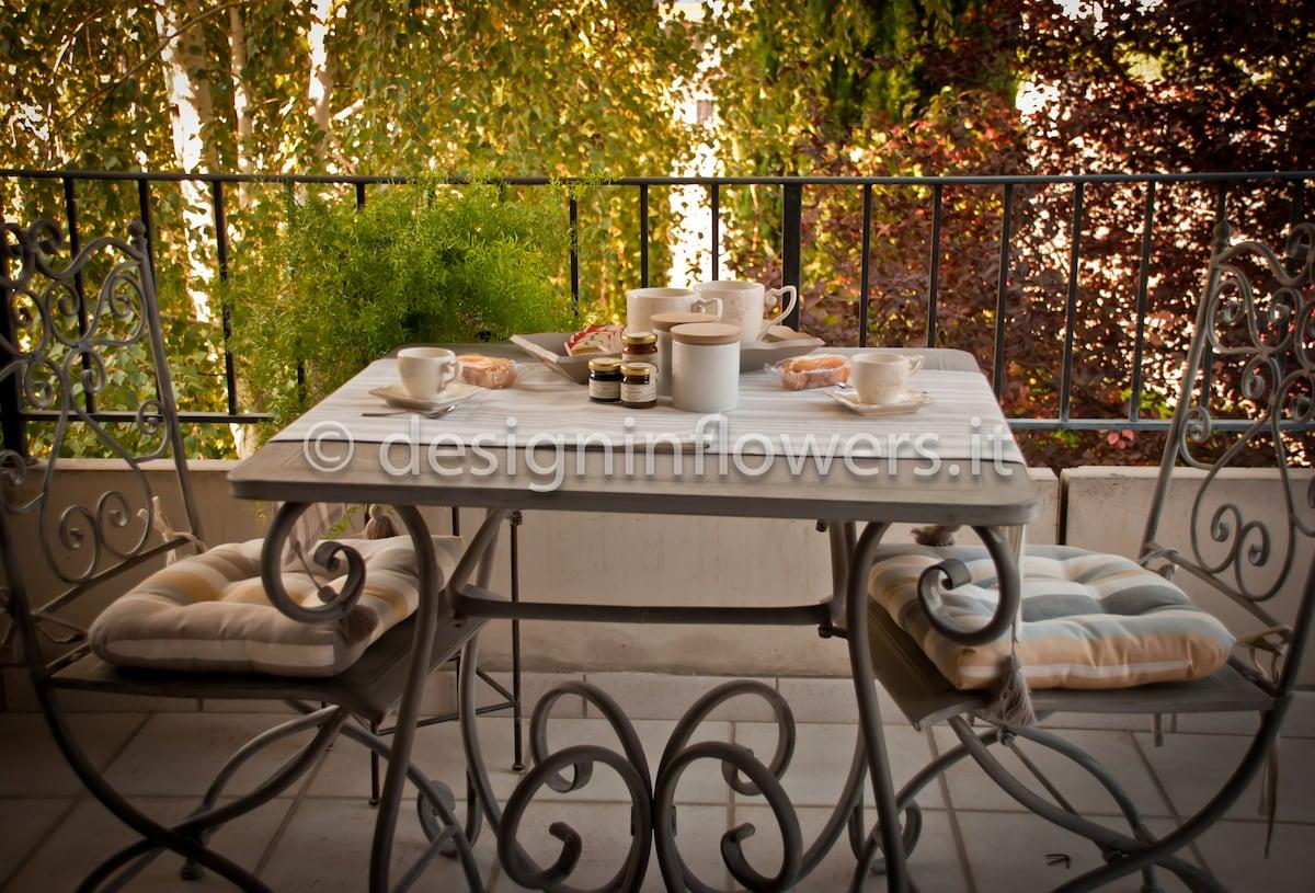 I TULIPANI  colazione in balcone