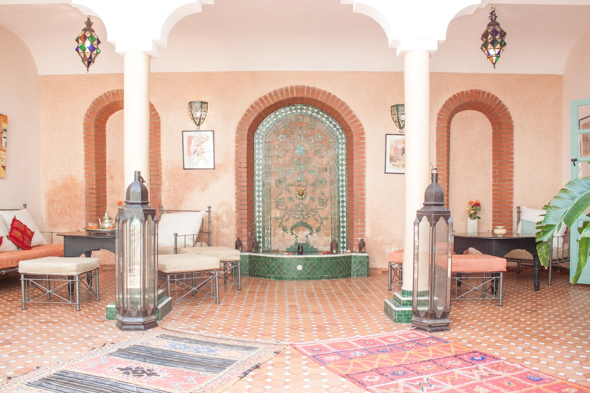 YOUR ROOM IN A RIAD - B&B + WIFI 3