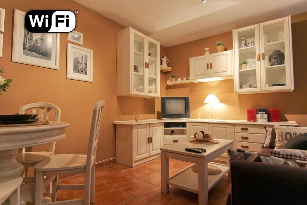 Apartamento equipado con wifi gratis - FREE WIFI