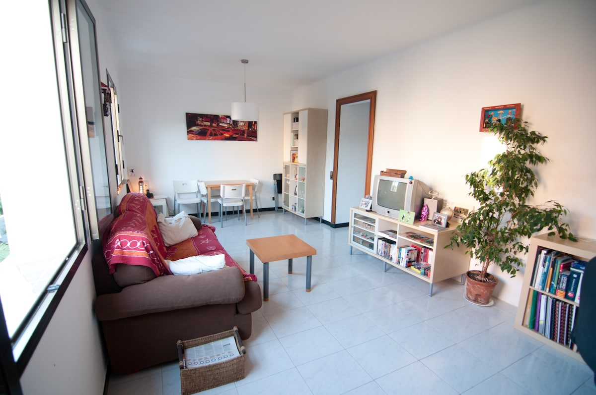 Single room in the real Barcelona