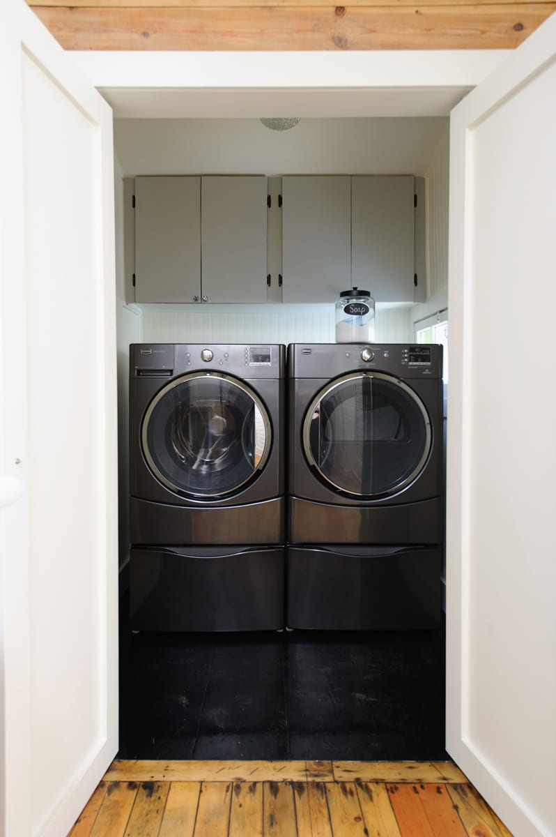 A washer and dryer are provided.