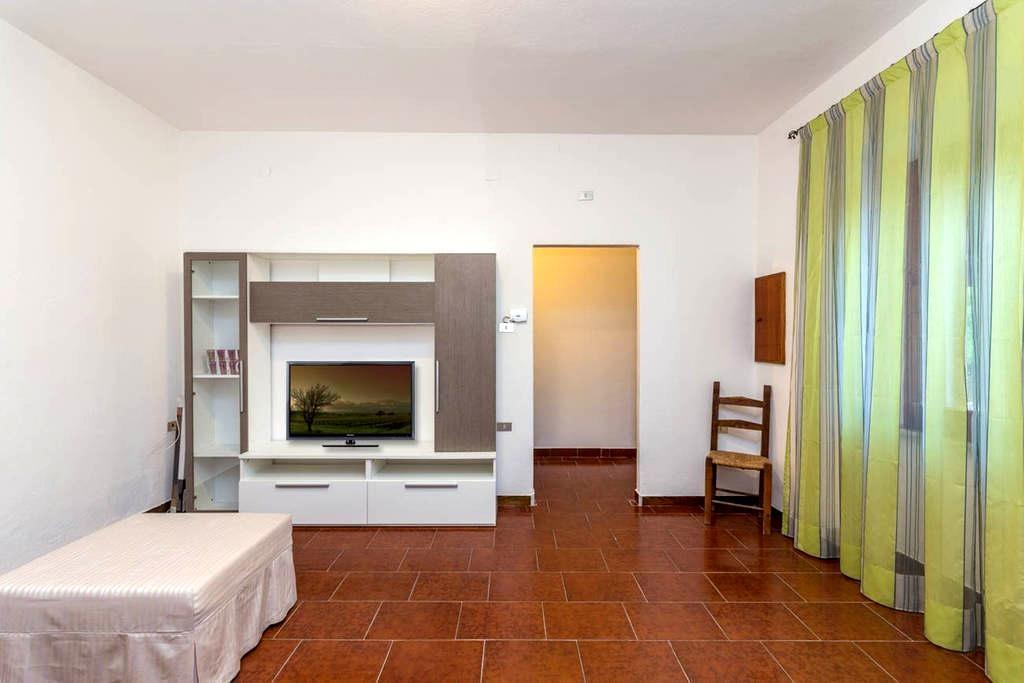Cheap holiday with sea view - Porto San Paolo - House