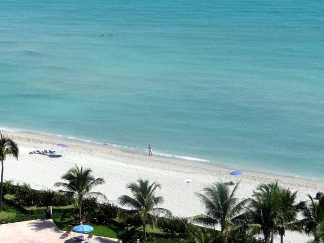 Beach Front & View 2 bed - GOLD-T06