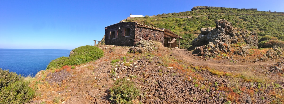 Little house above the sea-Ustica