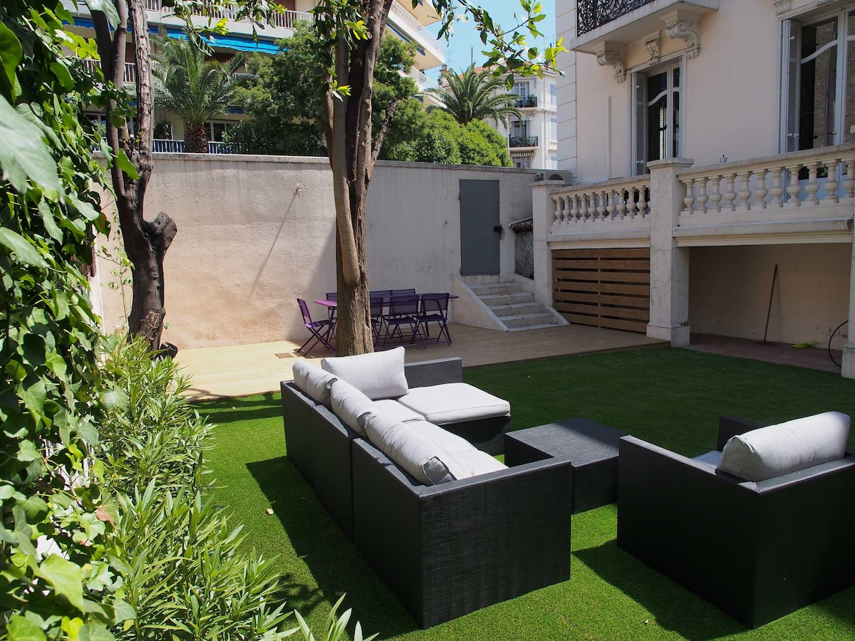 Top apartment with garden*****