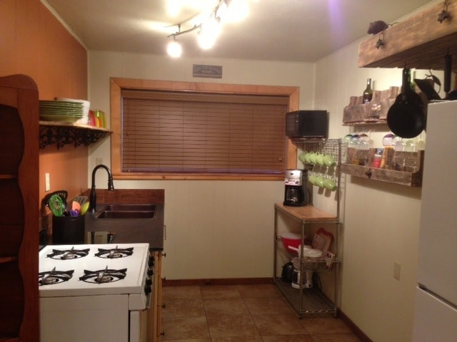 Kitchen with all cooking utensils.