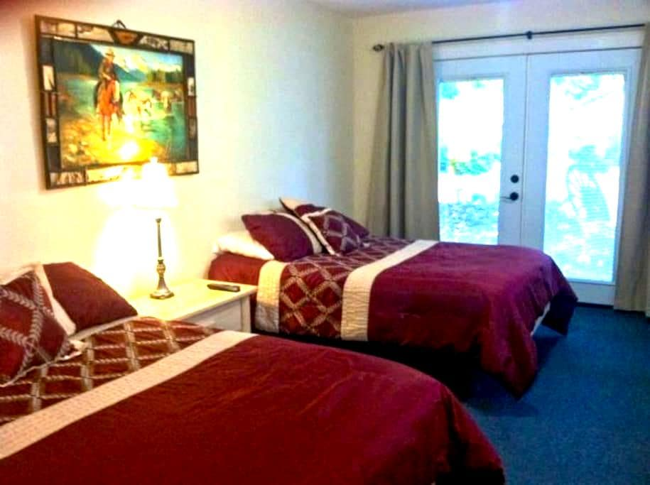 Lodge Room w Private Bath - Finn Rock - Jiné