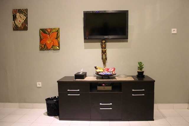 LED TV with tv cable channel