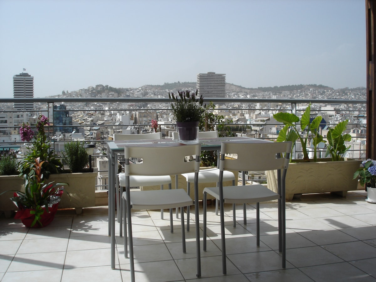 18 m² terrace with city and Acropolis view