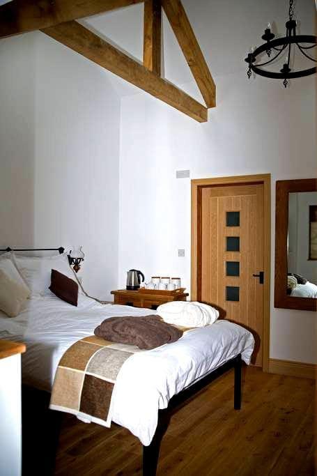 Stables Cottage Bed & Breakfast - B - High Bickington - Pousada
