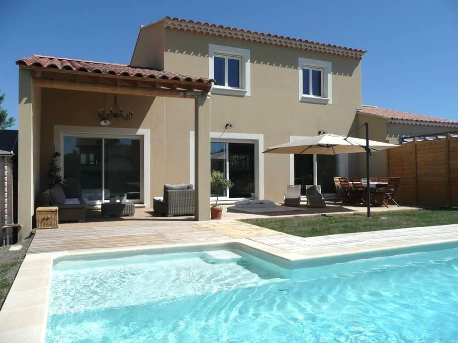 Maison : piscine privée proche ville et campagne . - L'Isle-sur-la-Sorgue - Rumah