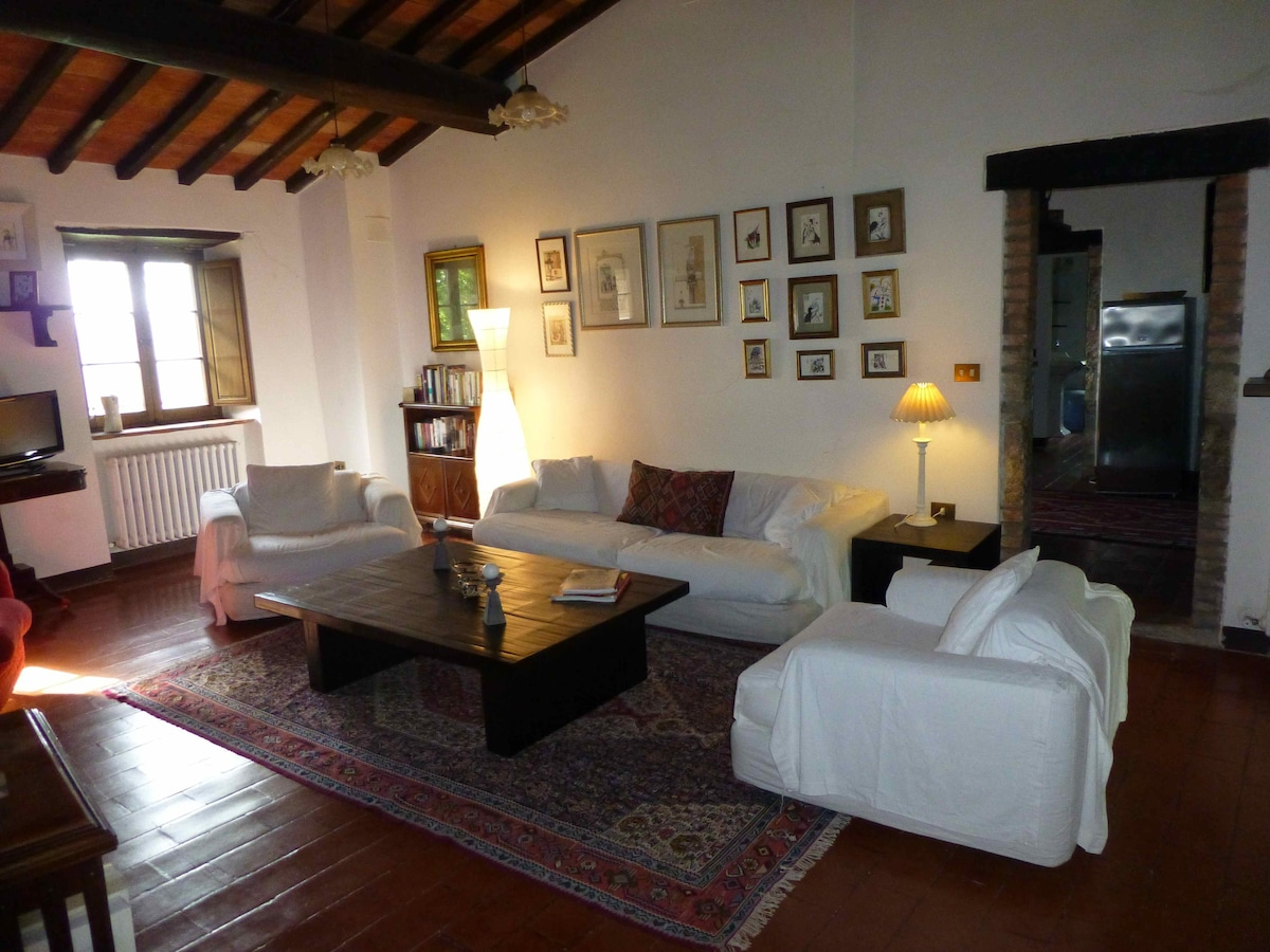 Ancient Stone Farm House in Umbria