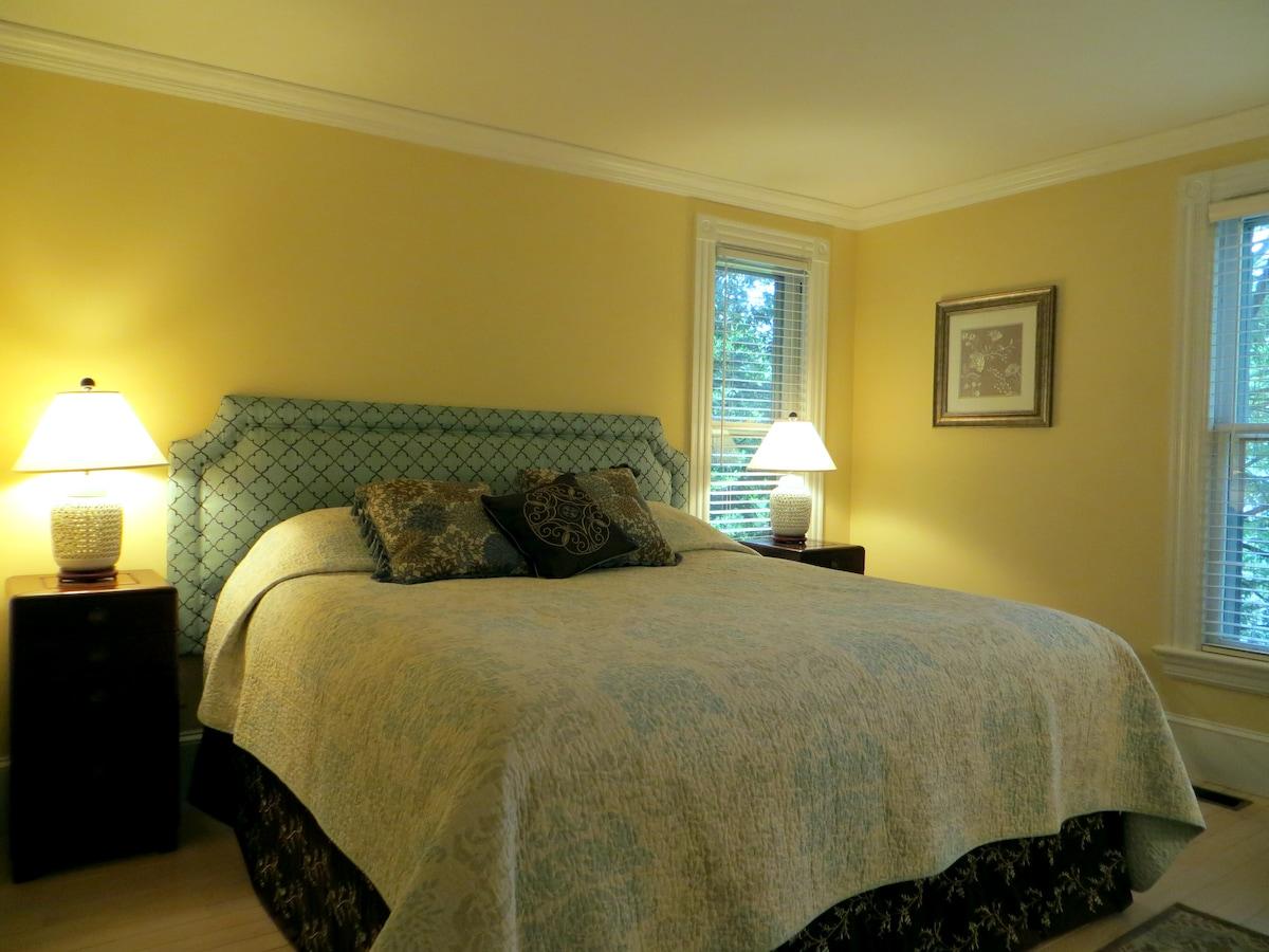 Private Suite in Stockbridge