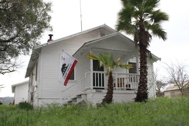 Dry Creek Valley Vineyard Cottage