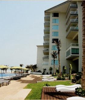 4 Bdrm: Oceanfront Luxury Condo