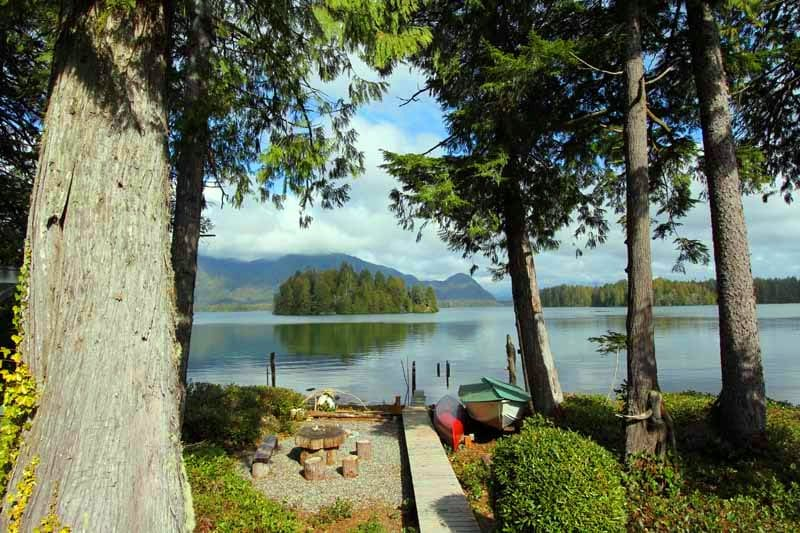 Sunrise waterfront cabin Tofino