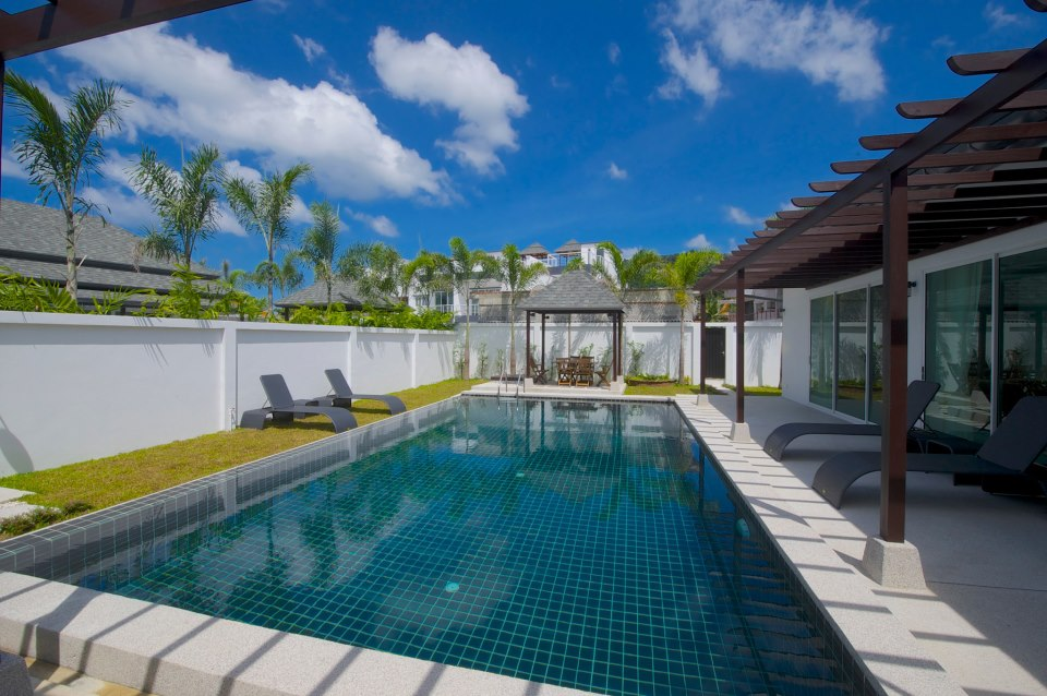 Villa 6 has a 9m x 5m pool, bigger than most villas and perfect for the whole family