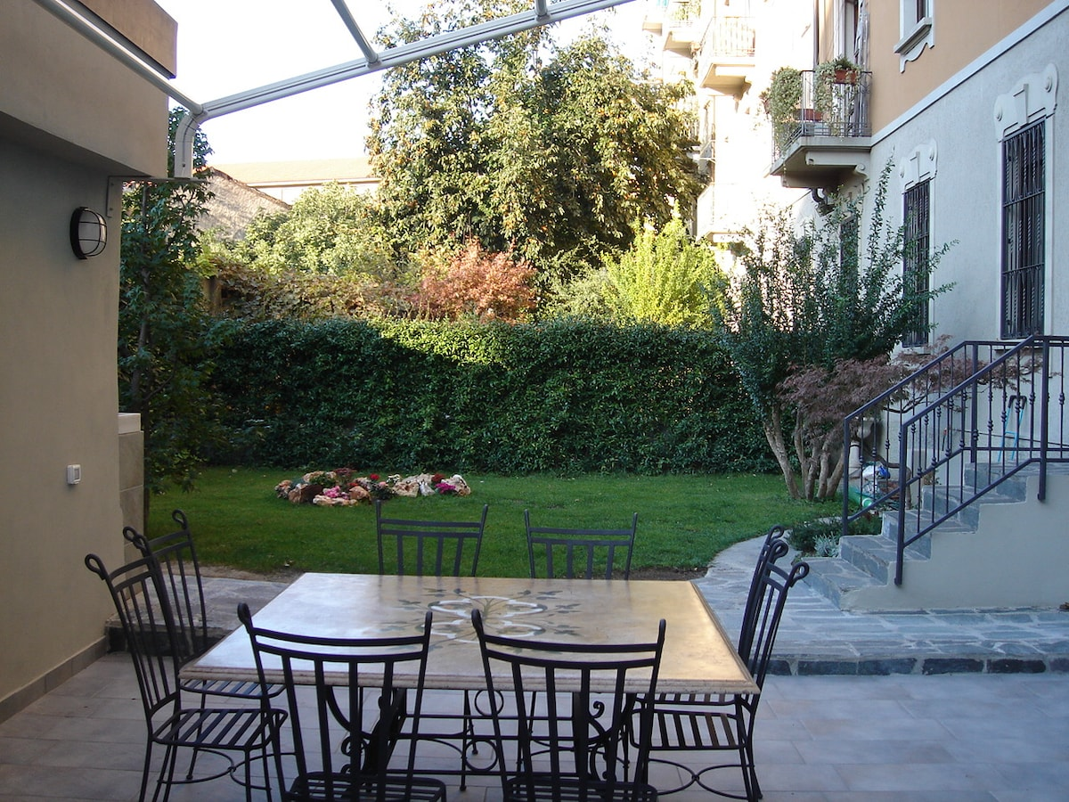 Apartment in Milan with garden
