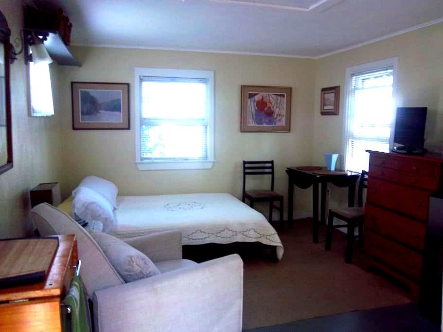 Cozy Cottage Sleep Studio - Provincetown - Hus
