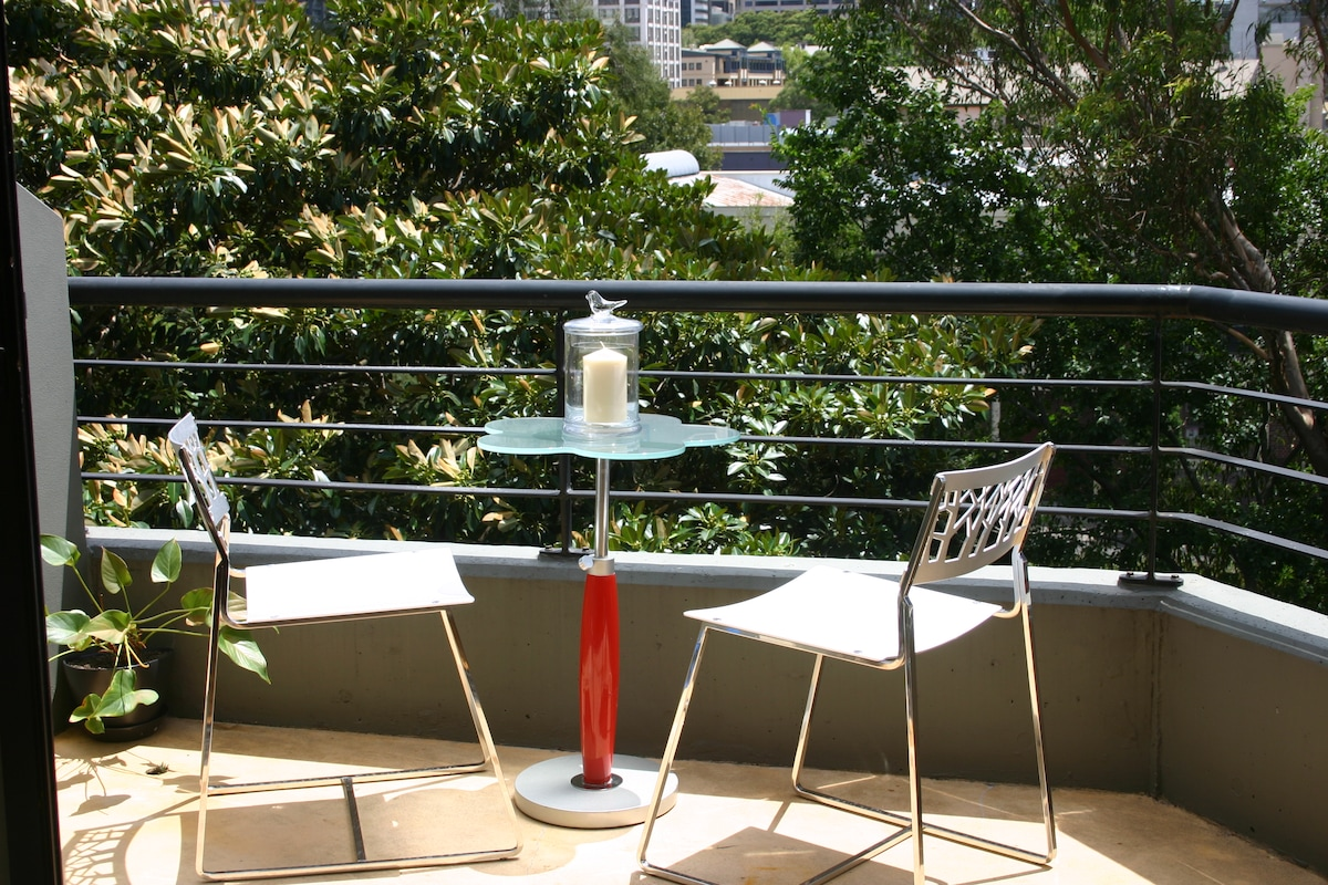 Another balcony downstairs for you to have breakfast at