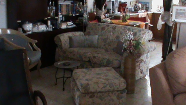 Two indipendent living rooms,