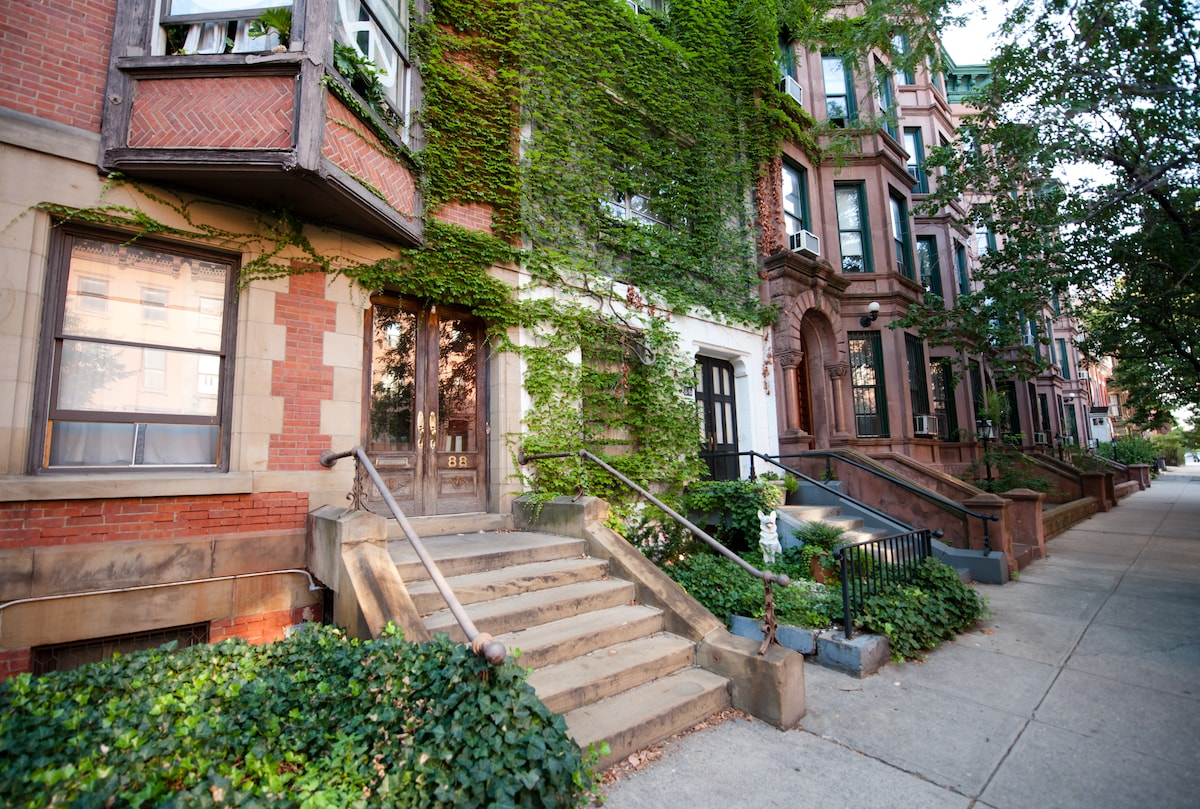on a tree-lined block of beautiful brooklyn homes, around the corner from the g train 1/2 block to PRATT