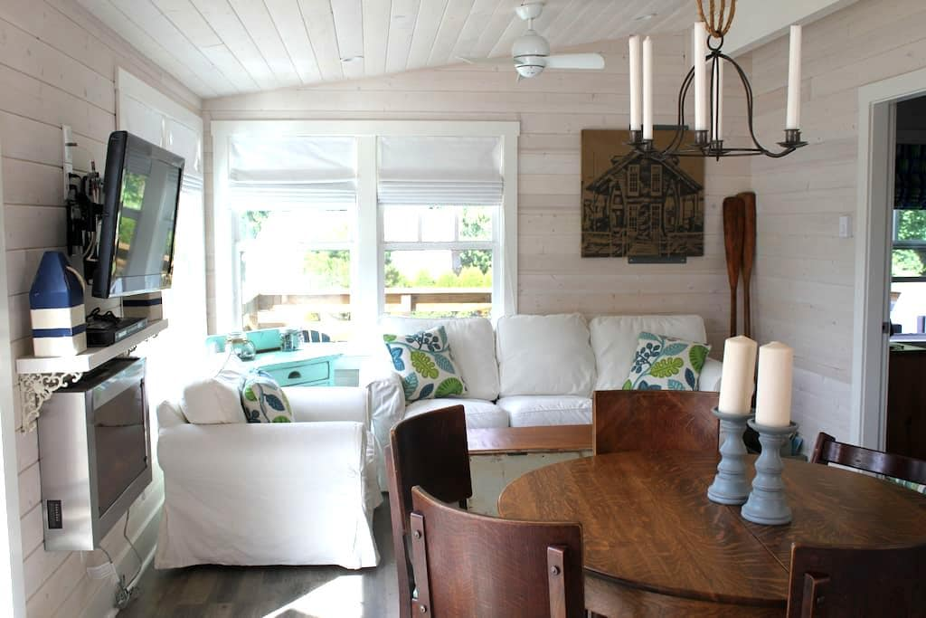 South Beach Seaview Cottage - Point Roberts - Kabin