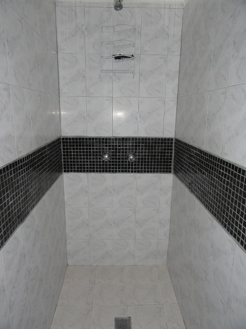 Guest Room #1 - Shower