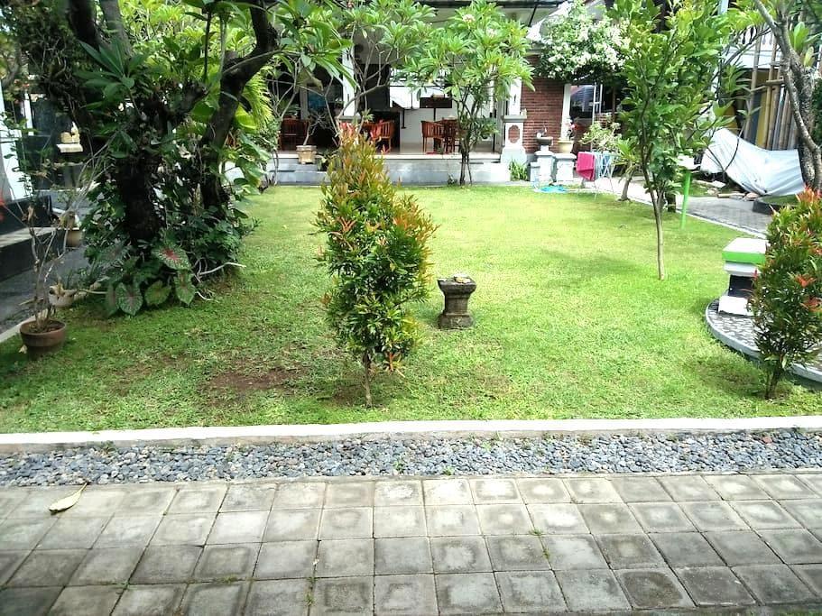 Puri Mandhara Lovina Buleleng Bali - Buleleng