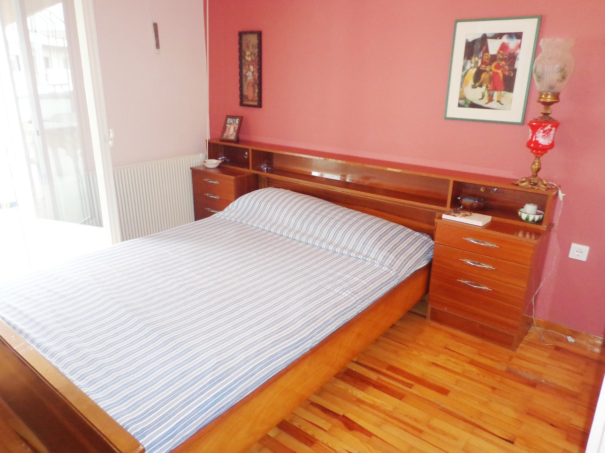 Bedroom 1, recently painted and decorated by a Greek architect, with access at the big terrace and embedded wardrobes
