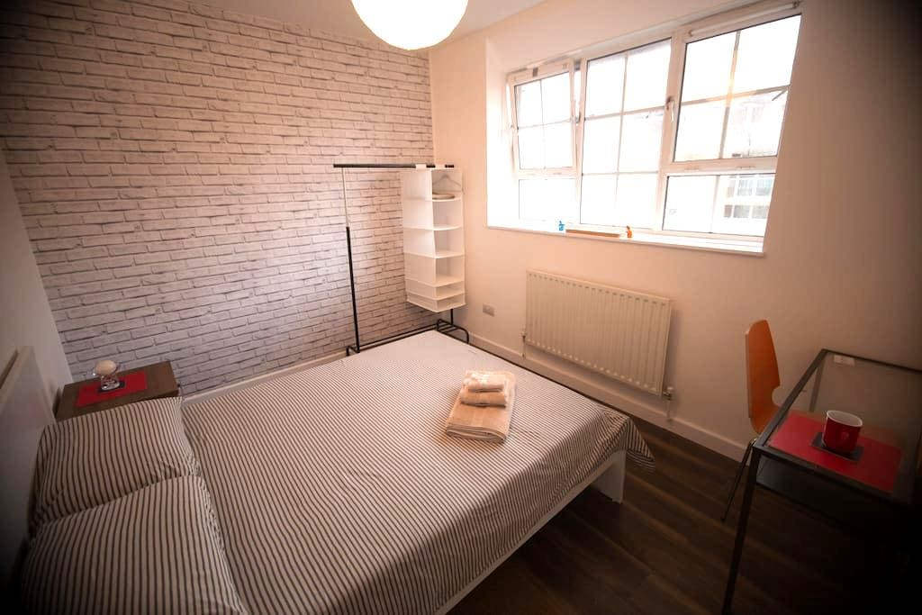 Newly Refurbished - Double Room - 倫敦 - 公寓