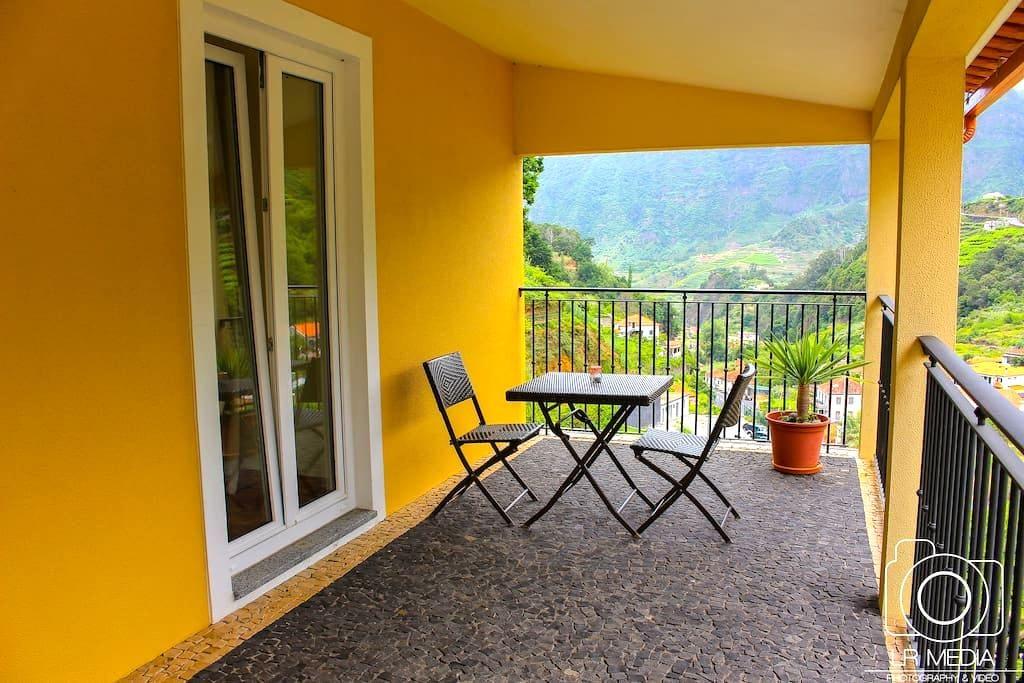GUESTHOUSE (BB); between the Sea and the Mountain - Madeira - Casa de hóspedes